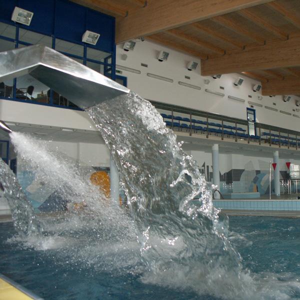 Widok na pływalnię